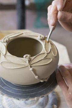 Pottery Tools, Slab Pottery, Ceramic Pottery, Pottery Art, Thrown Pottery, Greek Pottery, Pottery Wheel, Pottery Mugs, Polish Pottery
