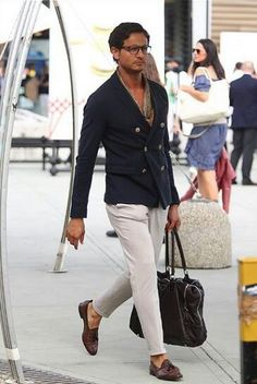 Street style & more details Mens Fashion Blog, Suit Fashion, Look Fashion, Mode Masculine, Stylish Men, Men Casual, Style Masculin, Men With Street Style, Herren Outfit