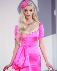 Anya Joy, Anya Taylor Joy, Soho, Costumes Couture, Dior Dress, Dior Haute Couture, Celebrity Dresses, Runway Fashion, Bodycon Dress