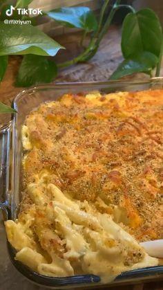 @mxriyum on tiktok   The best baked macaroni and cheese 🤤