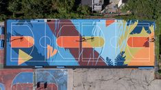 Mural basketball court in Philadelphia with SportMaster Sport Surfaces. Basketball court surfaces with ColorPlus System. Street Basketball, Basketball Memes, Basketball Workouts, Basketball Art, College Basketball, Basketball Players, Basketball Drawings, Basketball Birthday Parties, Playground Flooring
