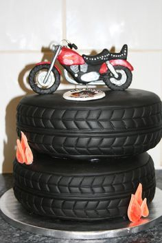 Take a look at some of the coolest biker birthday cakes around. These motorcycle themed cakes are almost too cool to eat. Props to all the cake artists who made these kick-ass cakes. Some of these designs are incredibly detailed and creative. Motorcycle Birthday Cakes, Biker Birthday, Motorcycle Cake, Bolo Harley Davidson, Harley Davidson Birthday, Fondant Cakes, Cupcake Cakes, Tire Cake, Cupcakes Decorados
