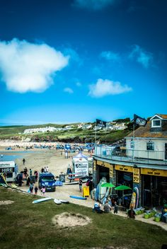This is the best beach in Cornwall! Polzeath beach looking good! Cornish Beaches, Cornish Coast, Cornwall Surfing, Places To See, Places Ive Been, States In America, Cornwall England, Beach Look, Places Around The World