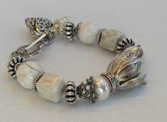 Glass Pearls Handmade Beaded Bracelet por bdzzledbeadedjewelry, $31.00