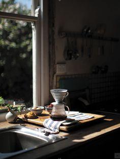morning coffee :: kva u otevenho okna Coffee Love, Coffee Break, Morning Coffee, Coffee Cups, Chemex Coffee, Coffee Gif, Decaf Coffee, Fresh Coffee, Cafe Rico