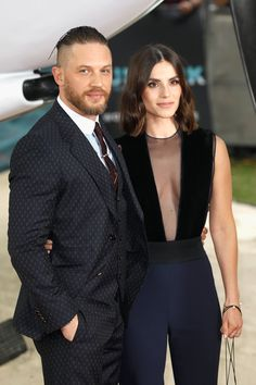 Charlotte Riley Photos - Tom Hardy and Charlotte Riley arrive at the 'Dunkirk' World Premiere at Odeon Leicester Square on July 2017 in London, England. - 'Dunkirk' World Premiere - Red Carpet Arrivals Hot Actors, Actors & Actresses, Female Actresses, Peaky Blinders Actors, Tom Hardy Charlotte Riley, Dunkirk Premiere, Steven Knight, Cute Couples, Celebrity News