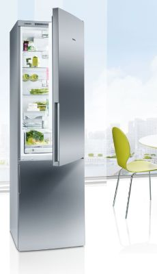 Enjoy #efficiency with a #refrigerator of the #siemens #ecoedition. // Die coolste Art, #Effizienz zu genießen – die Kältegeräte der Siemens ecoEdition. #kitchen #fridge #enjoysiemens