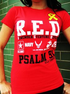 <3 made a RED Friday shirt when Andy was deployed. Such a great way to show patriotism