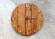 Horloge murale en bois, style rustique et industriel