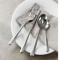 The elegant Hammershøi range now also features a beautiful cutlery set consisting of high-lustre, stainless steel. The design is slender, rounded and modern. Kitchen Items, Kitchen Dining, Classic Cutlery, Knife And Fork, Dinner Fork, Cutlery Set, Chef Knife, Kitchen Essentials, Dinnerware