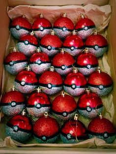 Funny pictures about Pokemon Christmas. Oh, and cool pics about Pokemon Christmas. Also, Pokemon Christmas photos. Red Ornaments, Diy Christmas Ornaments, Holiday Fun, Christmas Holidays, Real Christmas Tree, Christmas Projects, Holiday Crafts, Christmas Ideas, Diy Natal