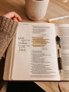 Jesus Loves, Bible Doodling, Bible Love, Bible Study Journal, Bible Art, Study Notes, Study Motivation, Bible Verses Quotes, Mood