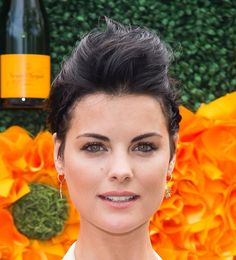 Short, Sleek Hairstyle Ideas: Jaimie Alexander