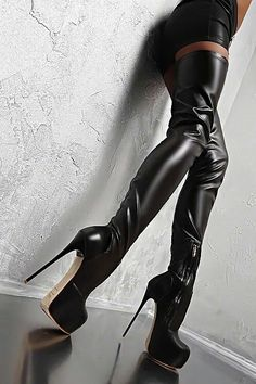 Black boots... @rt&misi@.