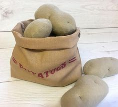 These pretend play felt food potatoes can be purchased individually or as a set. All sets of potatoes come with a Potato Sack (not available to purchase separately) Bag is made from 55% Linen / 45 % Cotton Large Potatoes £2.50 each Small Potatoes £2.00 each Set of Potatoes £10.00