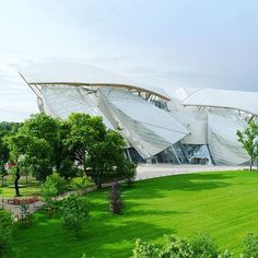 © @iwanbaan ©Gehry Partners, LLP  Louis Vuitton Foundation, Paris, France  The new home of the #LouisVuittonFoundation, a building dedicated to art, especially contemporary art, opened to the public in late 2014.  @fondationlv @louisvuittonparis @louisvuitton #louisvuitton #louisvuittonlover #bernardarnault #lvmh #frankgehry #frankgehryarchitecture #frankgehrybuilding #architecture #architectureporn #architect #architecturelovers #architecturephotography #architects #architectural