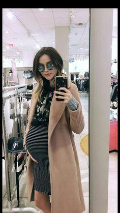 Pregnancy Wardrobe, Pregnancy Outfits, Mom Outfits, Pregnancy Photos, Fashion Outfits, Pregnancy Style, Cute Maternity Style, Maternity Wear, Maternity Fashion