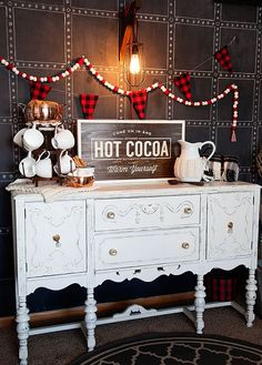 DIY Hot Cocoa Sign by WhipperBerry created with bbfrosch Chalk Paint Powder and a silhouette CAMEO Country Christmas, Christmas Holidays, Christmas Decorations, Christmas Buffet, Christmas Things, Holiday Decorating, Winter Holidays, Christmas Ideas, Xmas
