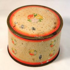 Vintage THREE FLOWERS DUSTING POWDER TIN Hudnut Empty 1900's New York Paris #ThreeFlowers