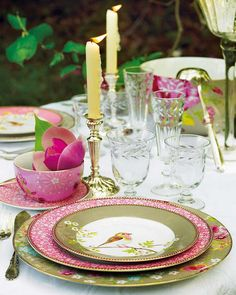 beautiful pink green white gold tablescape colorway