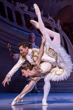 The Sleeping Beauty-Pas de Deux-The Australian Ballet