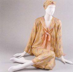 Fashion Mag, 20s Fashion, Fashion History, Vintage Fashion, Fashion Design, Fasion, High Fashion, Silk Pajamas, Pyjamas