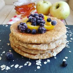 Pancakes à la pomme & flocons d'avoine - The Best Breakfast and Brunch Spots in the Twin Cities - Mpls. Breakfast Pancakes, Pancakes And Waffles, Breakfast Recipes, Oatmeal Pancakes, Waffel Vegan, Chocolate Syrup Recipes, Bowl Cake, Homemade Pancakes, Love Food