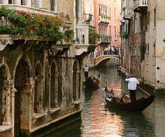 #Go to Italy & #Ride in a gondola