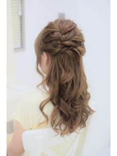 リサ 恵比寿(risa.) 編み込みとねじりのふんわりハーフアップ Bridal Hair And Makeup, Wedding Makeup, Hair Makeup, Beauty Zone, Hair Arrange, French Braid, Bridesmaid Hair, Headdress, Cute Hairstyles