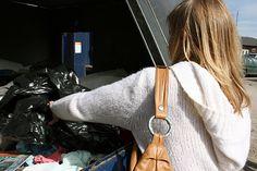Oivaltavia kuvia arjesta (esim. roskien vieminen-> roskakuskin arkipäivä -> Kaatopaikan arki)