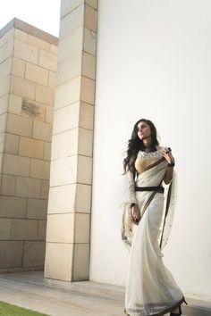 White #saree #sari #blouse #indian #outfit  #shaadi #bridal #fashion #style #desi #designer #wedding #gorgeous #beautiful