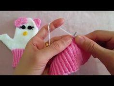 Crochet Baby, Free Crochet, Knit Crochet, Knitted Gloves, Knitting Socks, Hallo Kitty, Lidia Crochet Tricot, Crochet Chicken, Crochet Storage