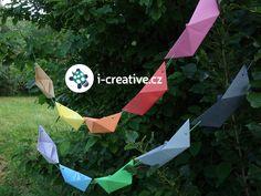 Návod jak vyrobit dekoraci na letní party nebo narozeninovou oslavu - řetěz z papírových lodiček