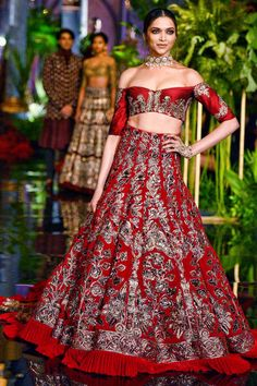 We are totally crushing on this beautiful lehenga by Manish Malhotra! Draw some inspiration for your D day!