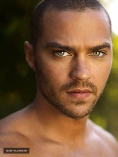 Jesse Williams: usually his eyes look blue, but in this pic, he could definitely rock chocolate brown contacts with gold hints, right? (possible Rylan)