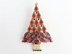 Vintage Gale and Friends Christmas Tree brooch pink sabrina stones AB373 by MeyankeeGliterz on Etsy