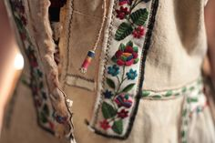 Romanian traditional costumes Part 1 Port national Folk Embroidery, Learn Embroidery, Embroidery Patterns, Embroidery Stitches, Popular Costumes, Cross Stitch Fabric, Popular Art, Traditional, Winter Coat