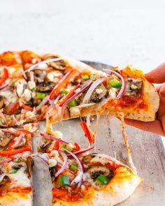 Vegetarian Pizza, Vegetarian Cookbook, Veggie Pizza, Pizza Pizza, Pizza Al Pesto, Pizza Champignon, Pizza Cool, Pizza Vegetariana, Peppers Pizza