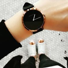 Das Kupfer - minimal chic accessories - Source by requisitseyfooksck chic Trendy Watches, Elegant Watches, Beautiful Watches, Stylish Watches For Girls, Army Watches, Watches For Men, Cheap Watches, Black Watches, Rose Gold Watches