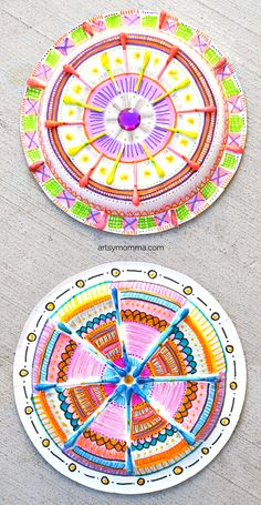 Pappteller Mandala Craft mit farbigen Q-Tips - Creative Kids - Children Crafts Art And Craft Videos, Easy Arts And Crafts, Easy Crafts For Kids, Craft Activities For Kids, Toddler Crafts, Diy For Kids, Children Crafts, Paper Plate Crafts, Paper Plates