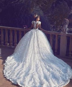 Still can't get enough of wedding dress options? We bring you this gorgeous piece by @walidshehabhautecouture! Perfect for a ballroom themed wedding, we particularly in love with the ballgown silhouette adorned with flattering embroidery details that is simply fabulous and magnificent! Together with the gorgeous back details and long train, this dress is definitely extravagant without being over-the-top! What do you think about it? Yay or nay? Leave your answers below! Dress…