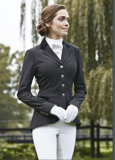 Equestrian fashion, horse riding, dressage, horse, hest, pferd ,horses, breeches, boots, leather, saddle,