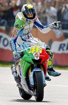 Motogp Valentino Rossi, Valentino Rossi 46, Gp Moto, Moto Bike, Ducati, Yamaha, Vale Rossi, Motorcycle Humor, Vr46