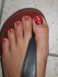 30 Best and Easy Christmas Toe Nail DesignsYou want to get your toenails ready for the holiday season? Are you looking for some cute and festive Christmas toenail art designs? Then, you have come at the right place. Disney Nail Designs, Toenail Art Designs, Pedicure Designs, Toe Nail Designs, Simple Nail Designs, Pedicure Ideas, Disney Toe Nails, Disney Toes, Disneyland Nails