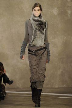 Donna Karan Pre-Fall 2011. Photo Kevin Sturman. Source Vogue.