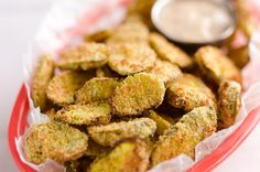 Airfryer Parmesan Dill Fried Pickle Chips are a quick and easy appetizer made extra crunchy in your Airfryer without all the fat from oil. This low-fat snack is sure to satisfy your craving for something salty! Fried Pickle Chips, Parmesan, Fried Dill Pickles, Actifry Recipes, Homemade Ham, Air Fryer Oven Recipes, Bons Plans, World Recipes, Appetizer Recipes
