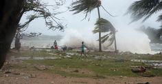 Ciclone 'Pam' assola ilha do Pacífico Sul e deixa vários mortos em 13/03/2015.