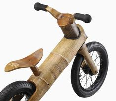 GreenChamp balance bike for kids is made from bamboo - DamnGeeky Bamboo Light, Bamboo Art, Bamboo Crafts, Bamboo Ideas, Bamboo Bicycle, Kids Workbench, Kids Cycle, Wood Bike, Wooden Bicycle
