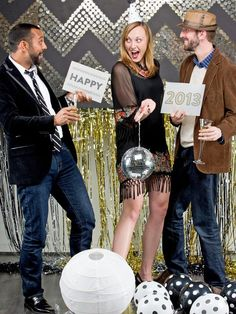 Create a DIY Photo Booth This New Year's Eve (http://blog.hgtv.com/design/2012/12/29/create-a-diy-photo-booth-this-new-years-eve/?soc=pinterest)