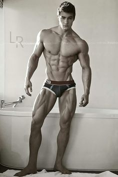Jeff Seid, broad shoulders, narrow waist, ripped...outstanding physique.